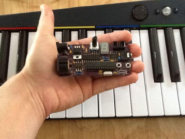 150808-arcano-midi-nes-chiptune-synthesizer-2-R.jpg