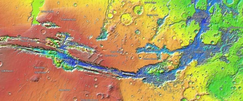 そうだ! お盆休みは火星を探検しよう!