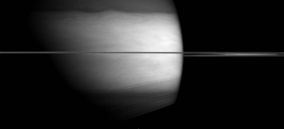 赤外線、土星の雲も3Dかな(字余り)