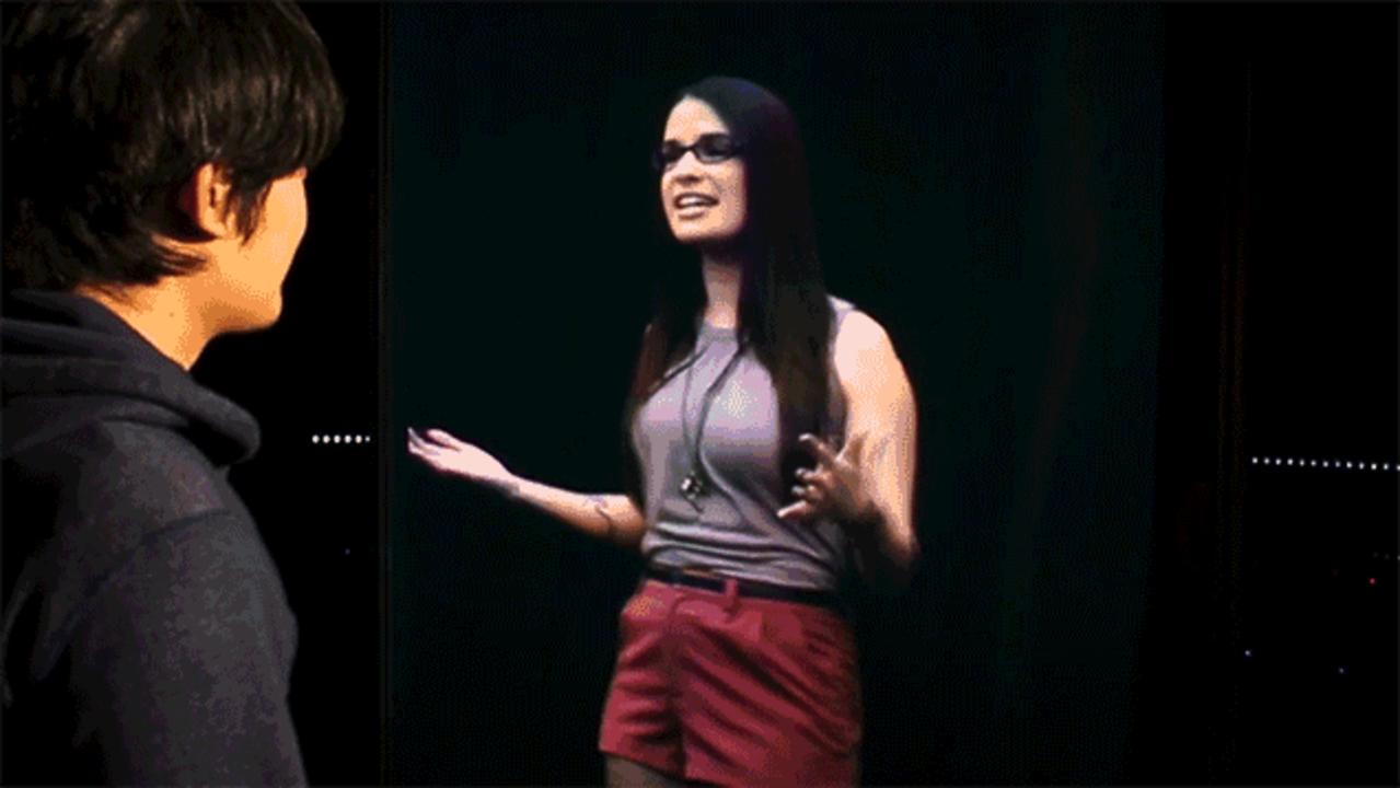 メガネ不要の3D映像。本物の人間が目の前にいるみたいだ