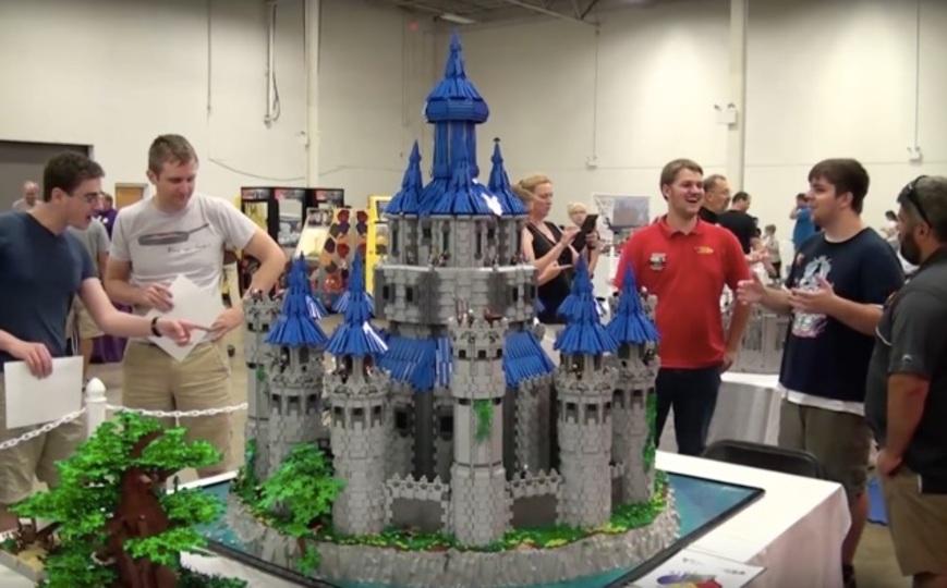 ここまでデカイ。完成に2年半かかった「ゼルダ」レゴ