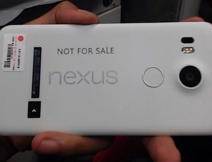 Nexus 5の本体画像がついにリーク。指紋認証にレーザーオートフォーカス搭載