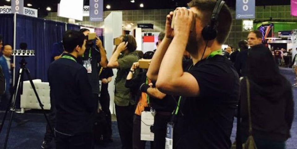VRヘッドセットを着けてすっ転んだら、ヴァーチャルリアリティの可能性がみえた