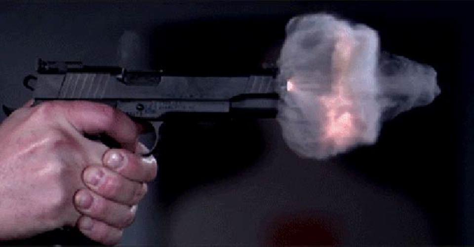 1秒7万3000コマで銃が火をふくぜ!