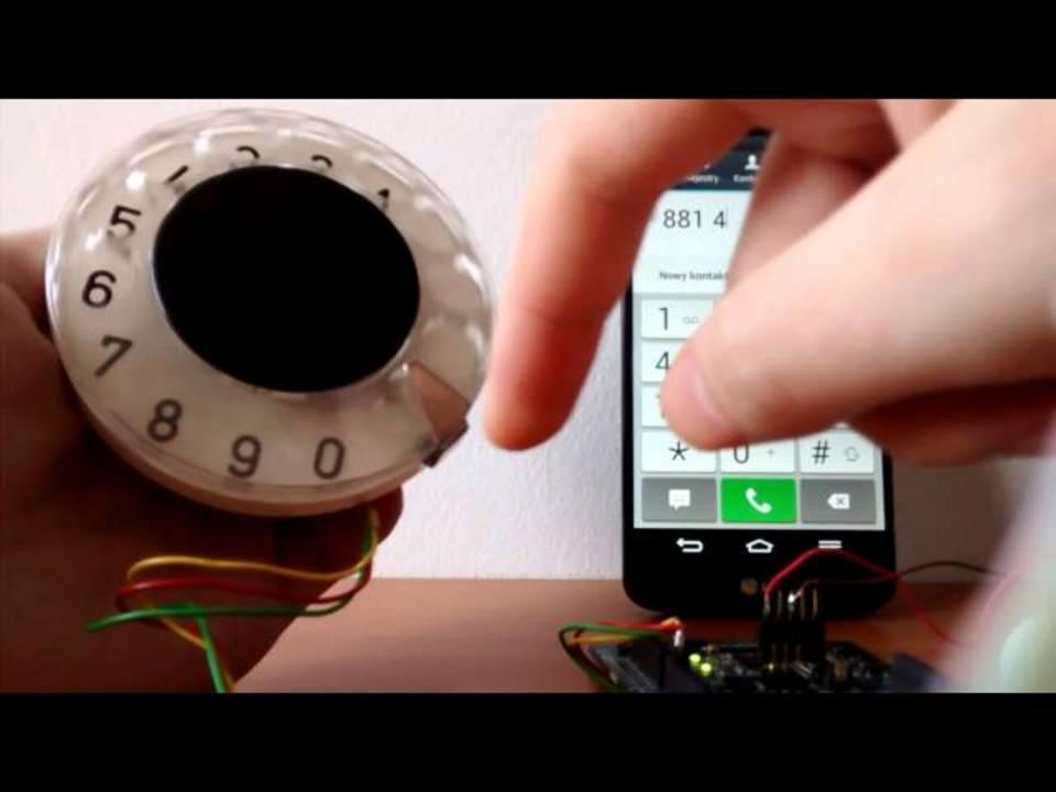 スマートフォンで電話をかけるとき、ダイヤル回したくない?