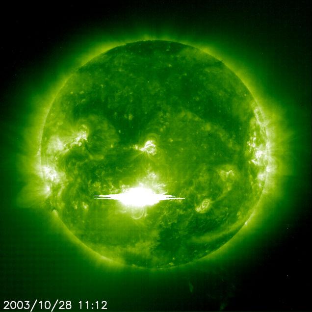150829epic_solarflare_2003.jpg