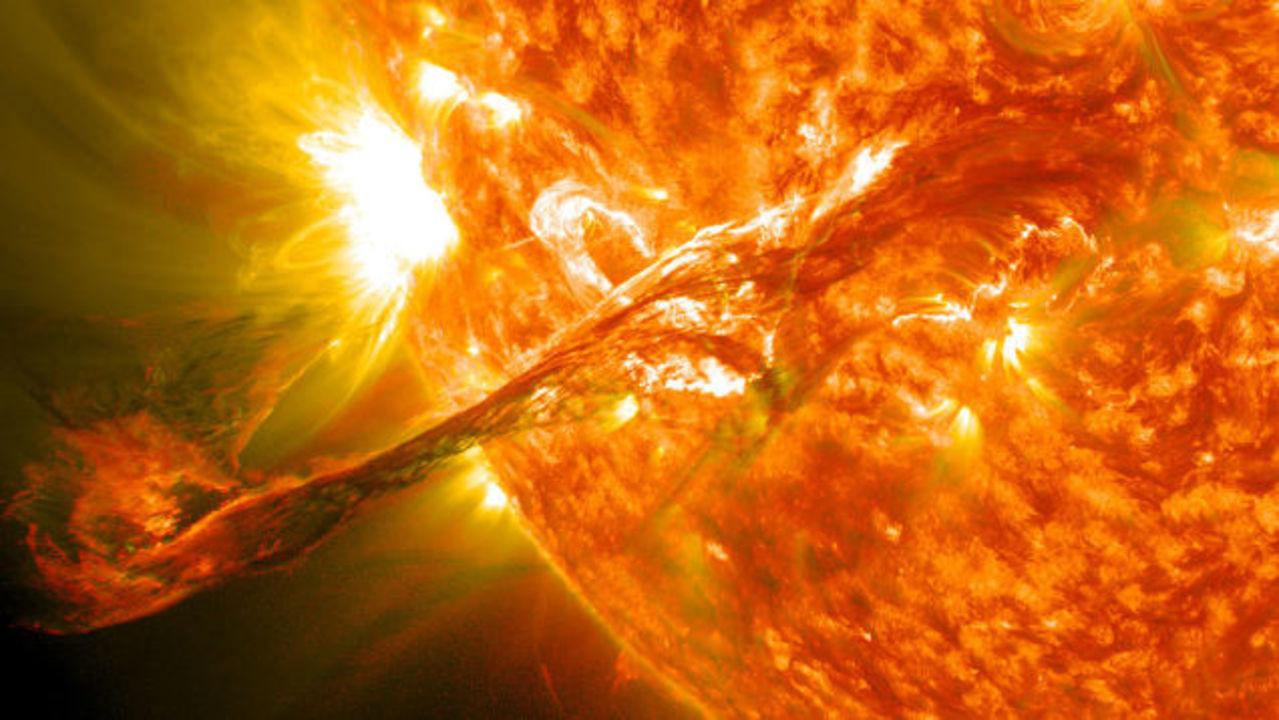 巨大太陽嵐が地球を襲うとどうなる?