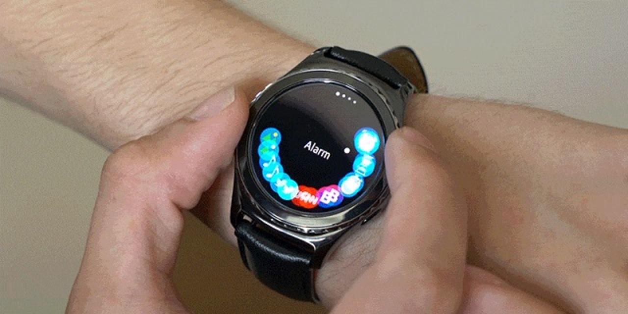 Apple Watchを超えた? 新ギミックで攻める「Gear S2」ハンズオンレビュー