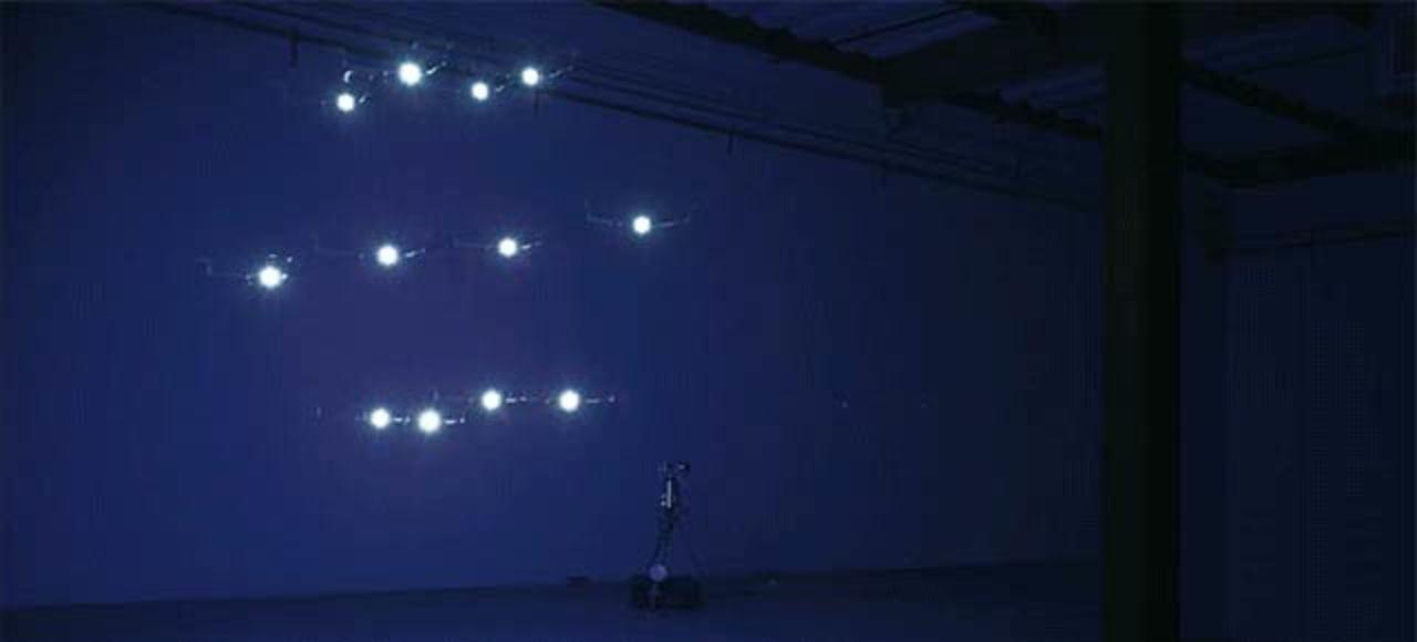 ドローンが舞う、光のダンス