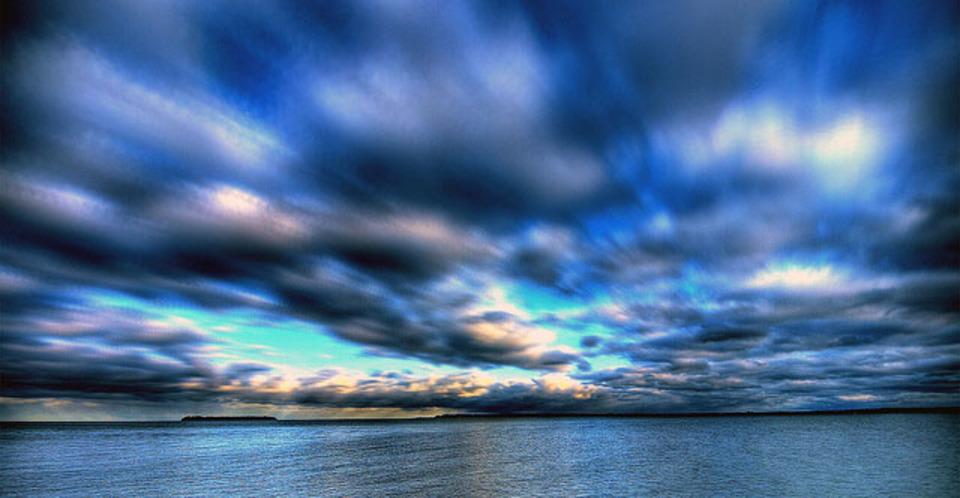 海の微生物が大空を照らし、地球の明るさに貢献していることが判明