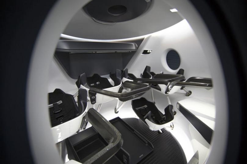 Space Xの宇宙船「Crew Dragon」の内装がかっこよすぎる