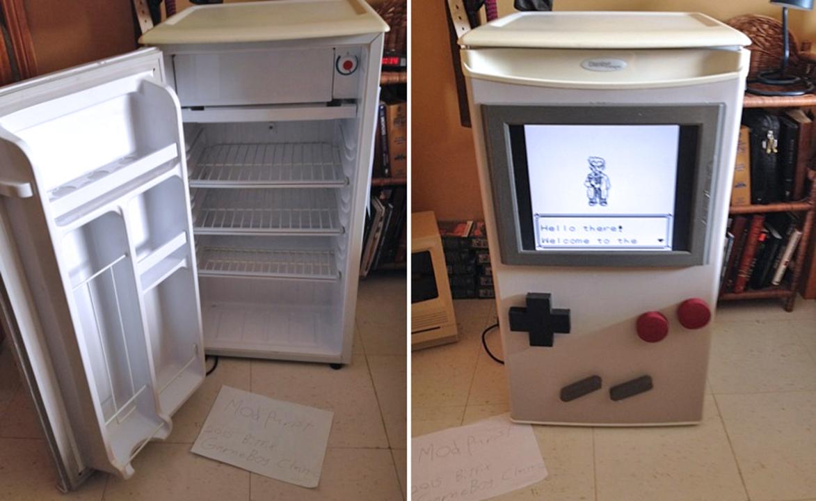 ゲームボーイと冷蔵庫のまさかの融合! (※ちゃんと動きます)