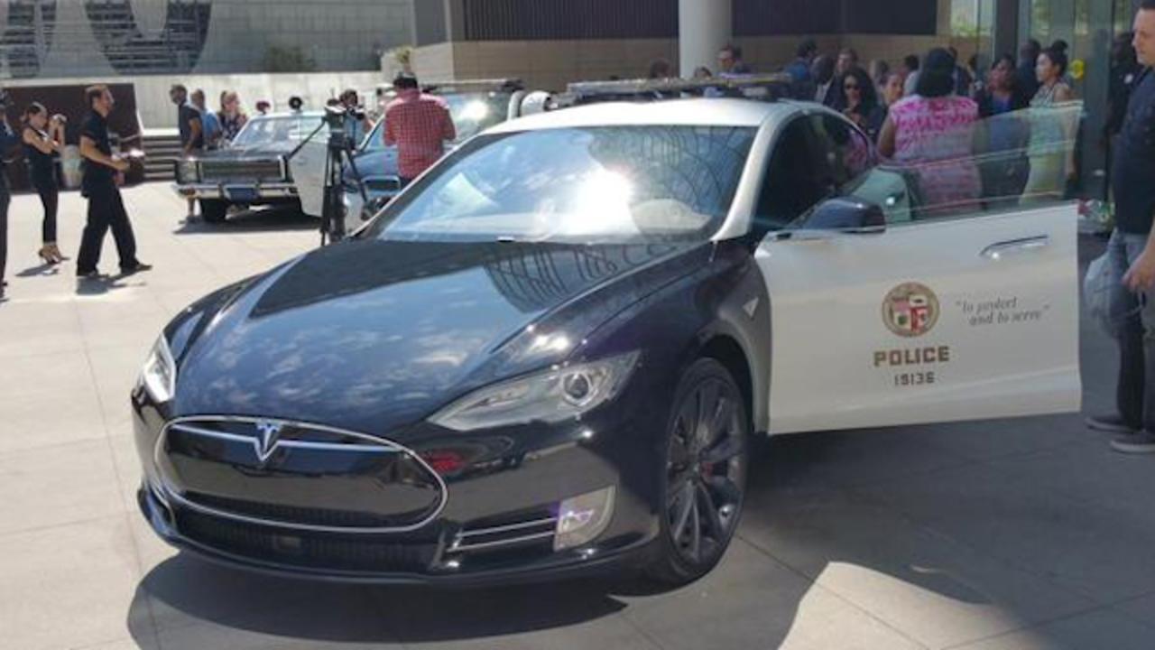ロサンゼルス市、大量の電気自動車を市政に導入するかも