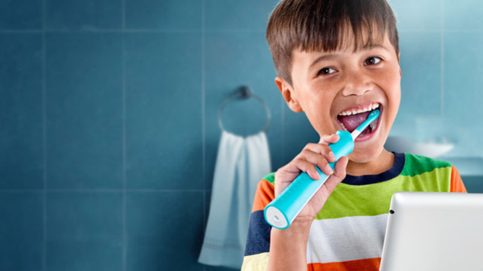歯みがきしたい! 夢中になっちゃう子どもが続出、アプリで遊べる歯ブラシ