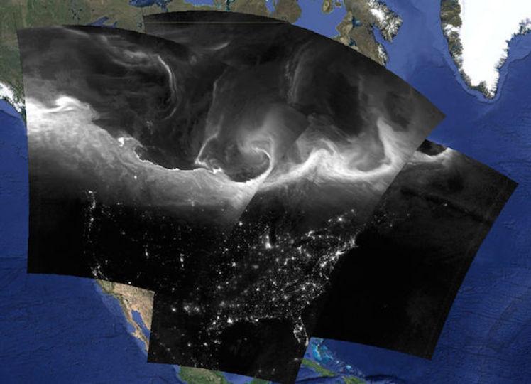 オーロラを宇宙から撮ってみると…