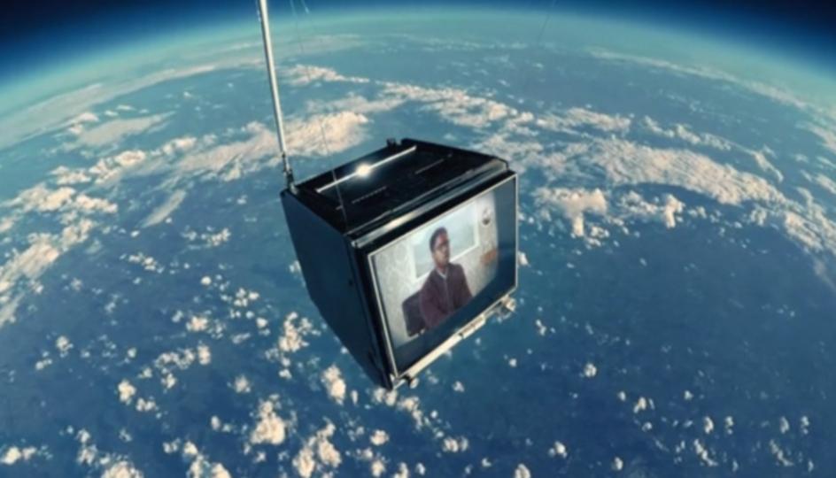 CGではありません。ほんとに宇宙へテレビを打ち上げて撮影しました