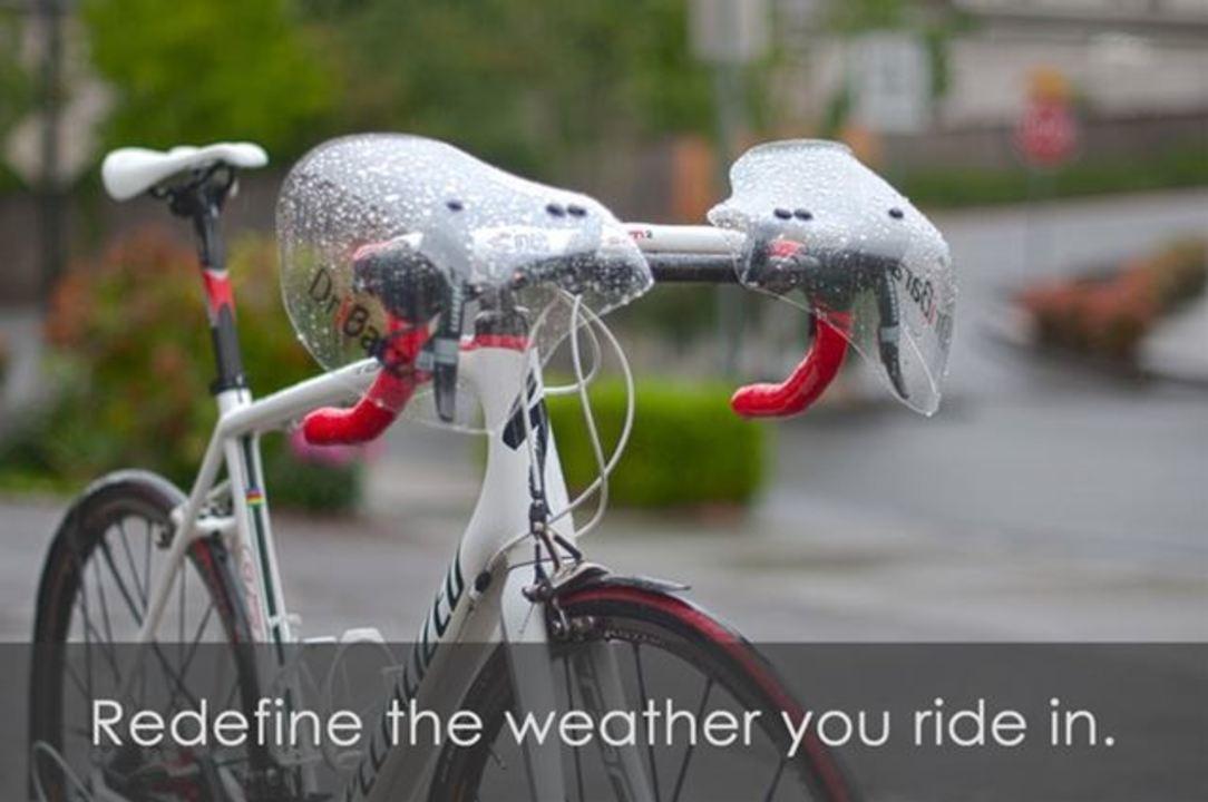 雨の日も快適にサイクリング。ロードバイク用ナックルガード