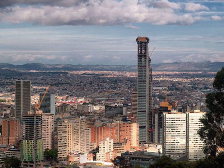 世界初クラウドファンディングの高層ビル