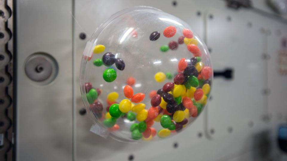 宇宙でも駄菓子がうまい