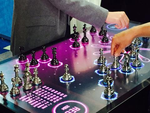 リアルタイムバトルができる新型チェス「電撃戦 -SPEED CHESS」が超クール!