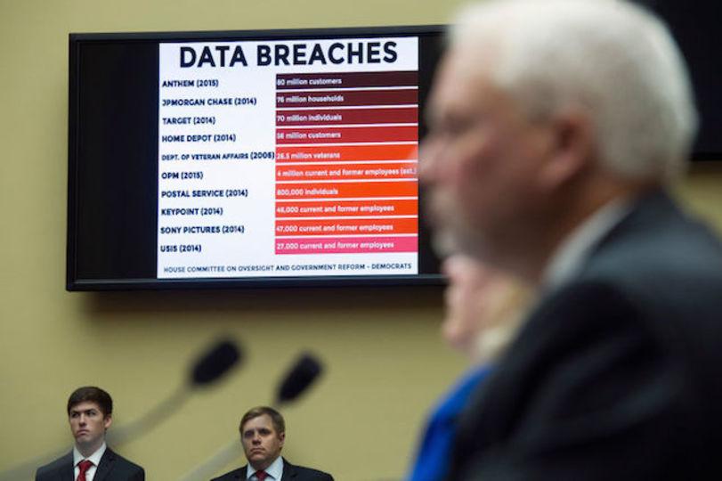 アメリカ政府職員の指紋データ560万件が盗まれていた