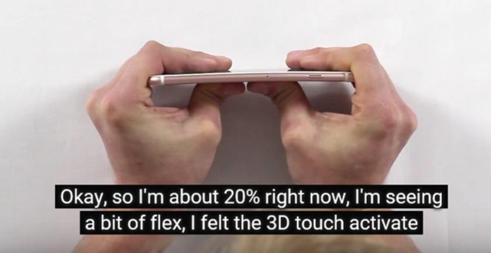 iPhone 6s Plusの折り曲げテスト。どこまで頑丈なのか?