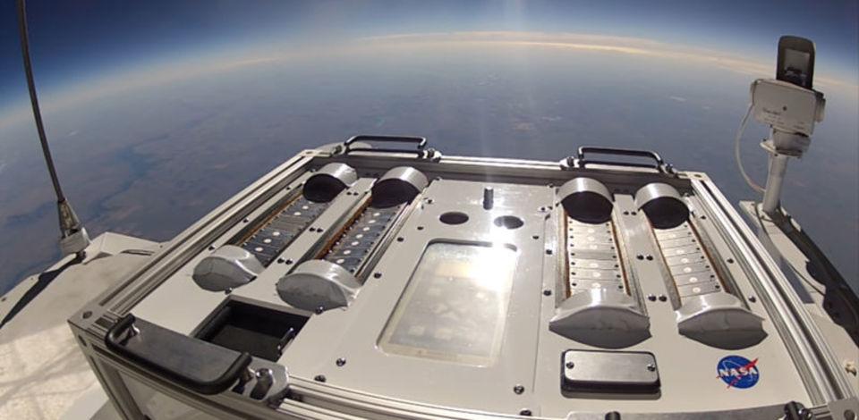 NASAはバクテリアをヒッチハイクで火星へ送ろうと奮闘中