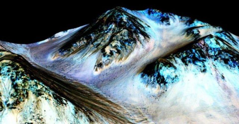 火星の水は今も流れている! NASAが発表