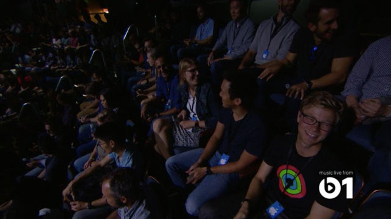 アップルイベント会場のDJはApple Music!