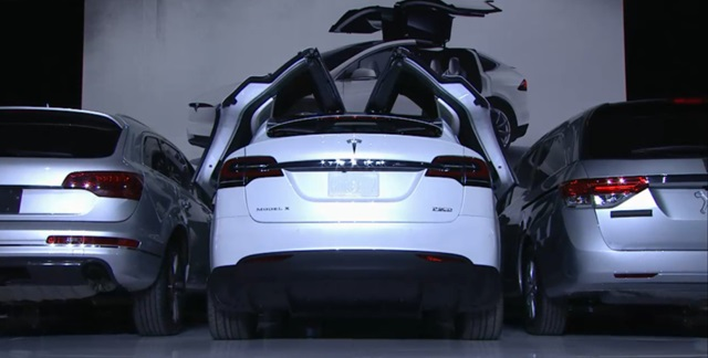 151001tesla_model_x_falconwing.jpg