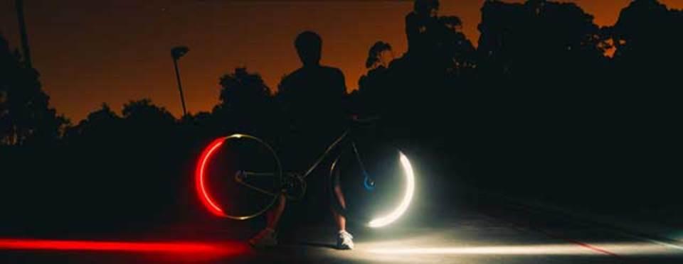 夜自転車をより安全に、タイヤにしかけるライト「Revolghts」