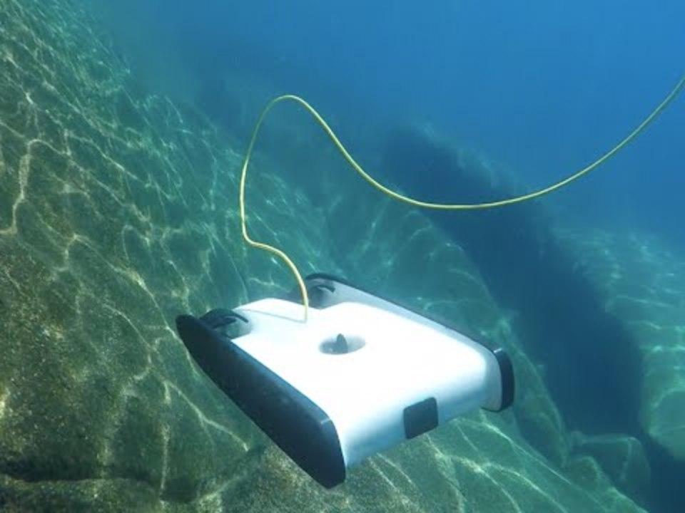水深100mをスイスイ、水中ドローンを試してきました