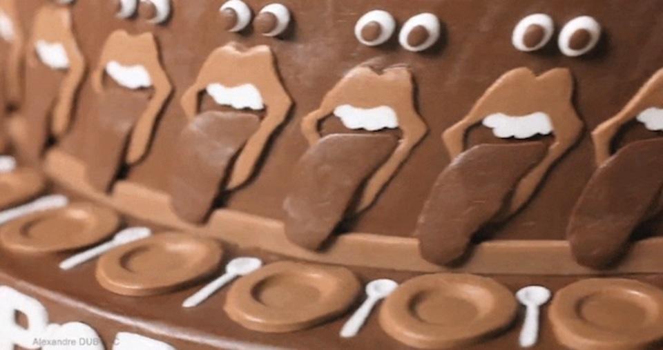 回転するチョコレートケーキが織りなすアート「Melting POP」