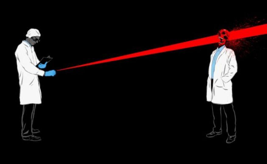 【職場閲覧注意】レーザーポインターで人は死ぬ? いくつあれば?