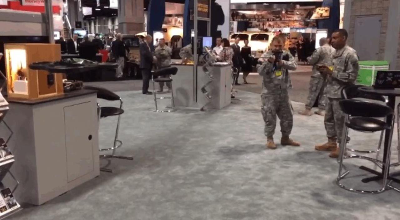 銃弾なしでドローンを撃墜する「ライフル」、米軍が開発