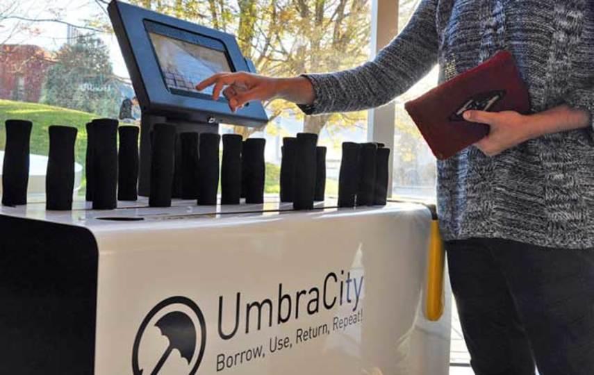 必要なのは責任感。傘をみんなでシェアするシステム「UmbraCity」