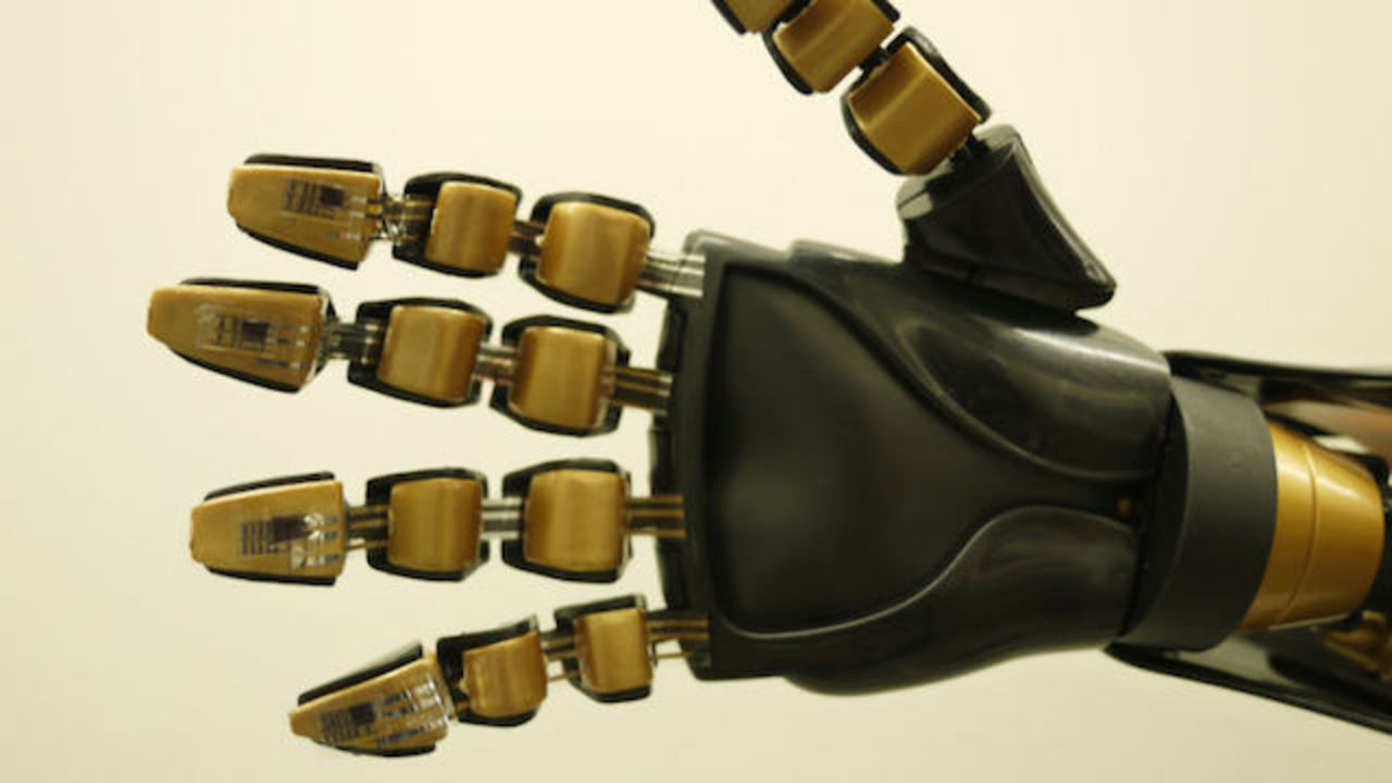 スタンフォード大学、触覚をそなえた人工皮膚の実現へ。実験をちょっとくわしく覗いてみよう