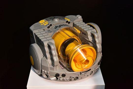 「ダイソン360 Eye」のご先祖さま、2001年生まれのDC06を見てきました