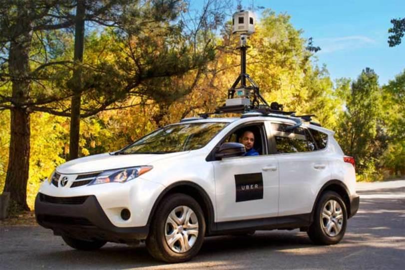 Uber版ストリートビューカーが街を走ってる!