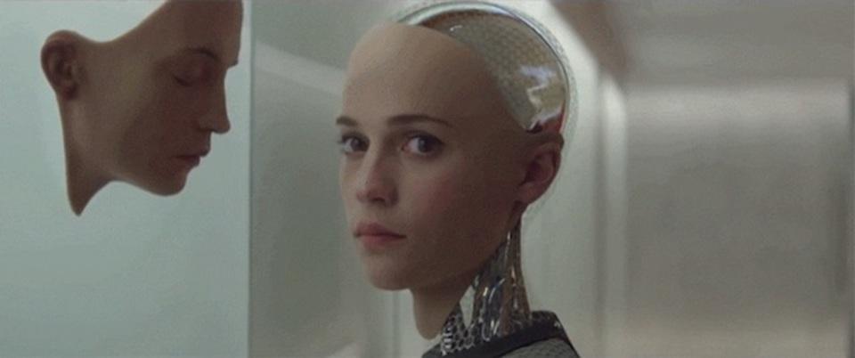 選べる容姿、体内にはロボット…。1,000年後の人類を予想してみよう