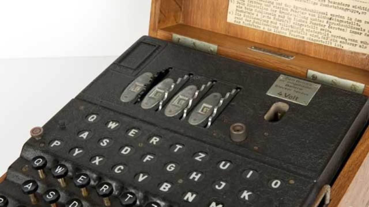 ナチスの暗号機「エニグマ」、4000万円超えで過去最高の落札価格を記録