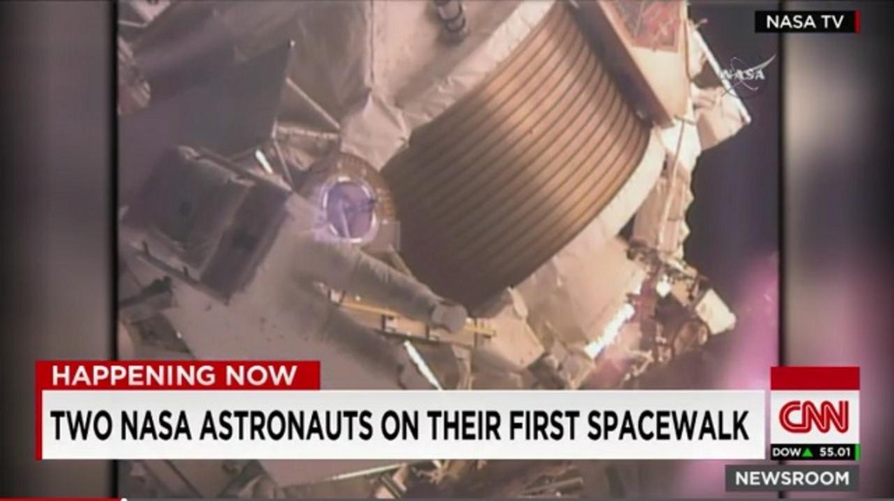 すごい! ISSで宇宙飛行士が7時間の遊泳記録を達成