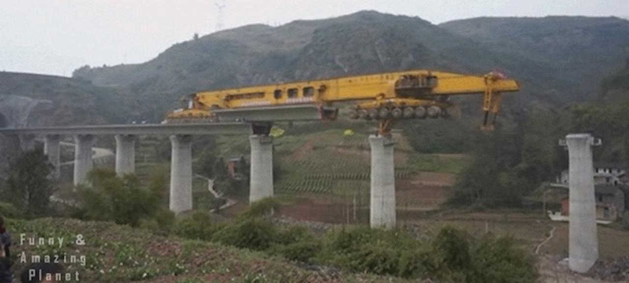 ハマった時のテトリス感。中国の橋の架け方が、観てて爽快
