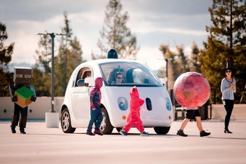 グーグルの自動運転車、子どもには特に優しいんです