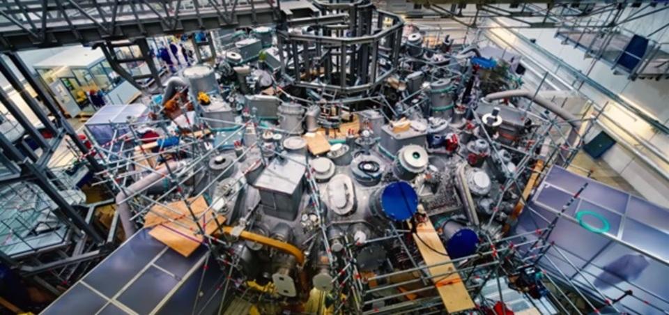 狂ったマシンの目覚め。世界最大の核融合炉まもなく点火