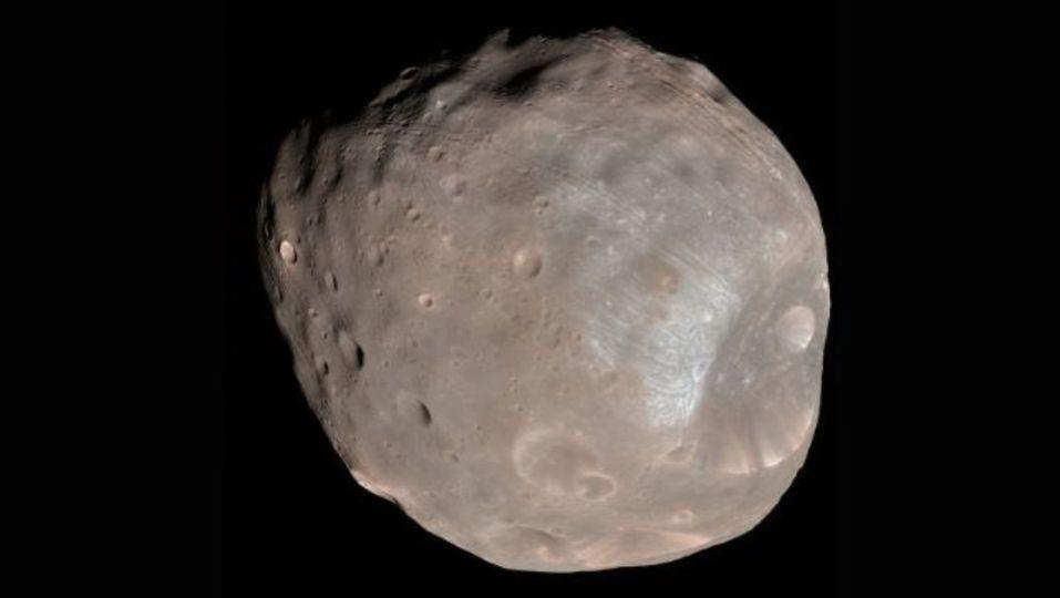 火星の衛星に崩壊の予兆、移住計画に暗雲か?