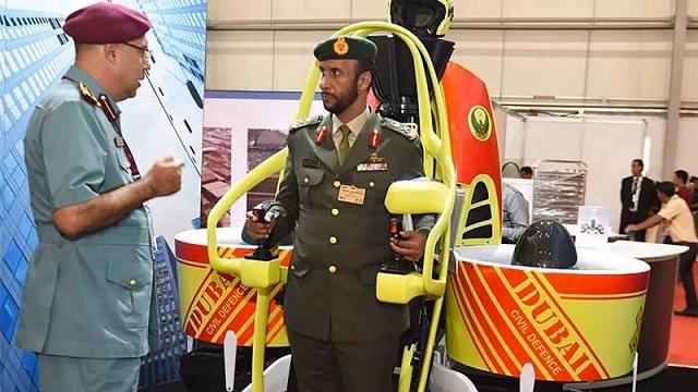ドバイ消防隊、高層ビル救助用にジェットパック導入