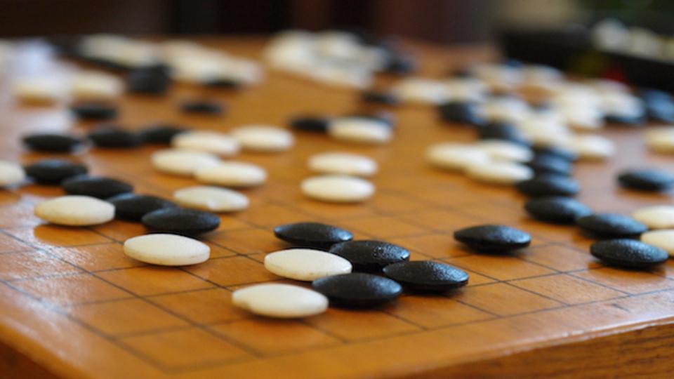 ついに人工知能が囲碁で人間に勝つ? フェイスブックが開発中