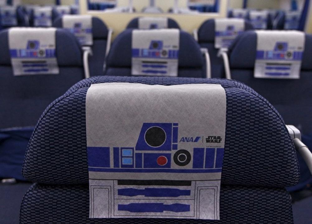 乗りたすぎるR2-D2仕様のジェット機、その濃すぎる座席に潜入