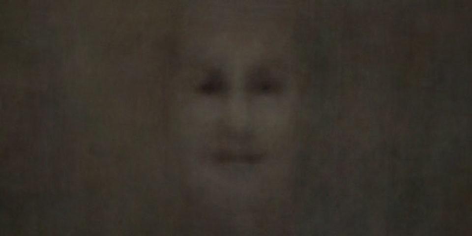 顔に見えるモノをたくさん集めて平均化したら、思った以上に顔